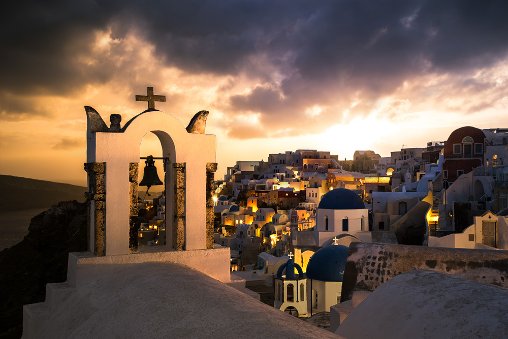 The final blended version of the Santorini photo.