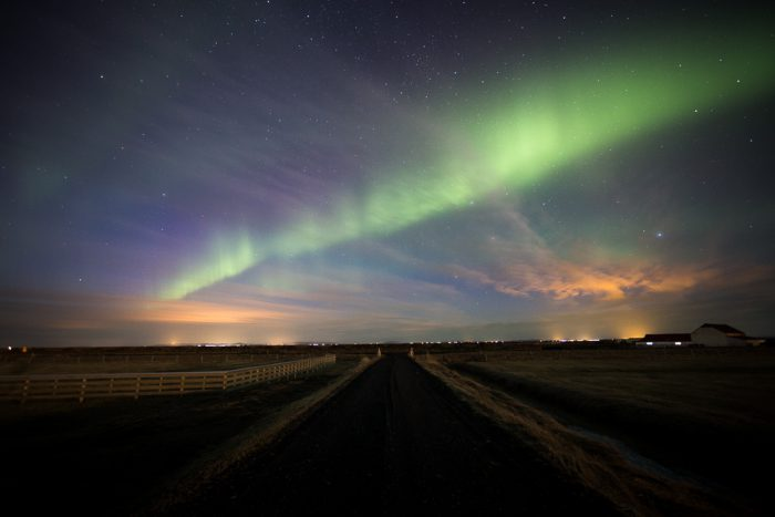 Photographing a slow moving aurora