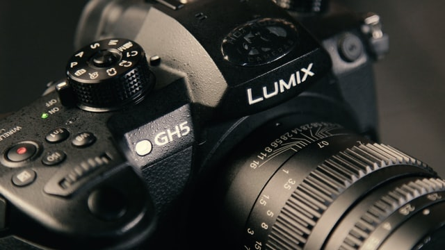 The Panaonic Lumix GH5, an excellent slow motion camera