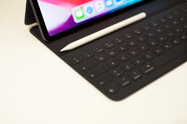 Apple Pencil on iPad Pro